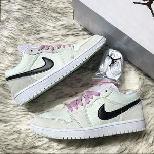 Nike Air Jordan 1 Low SE Barely Green